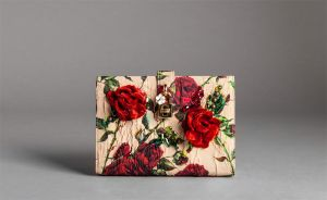 dolce-and-gabbana-fall-winter-2015-2016-collection-womenswear-accessories-1180x726