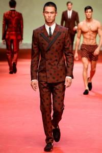 yu-fangqing-dolce-gabbana-man-spring-summer-2015-milano-fashion-week-1050x1574