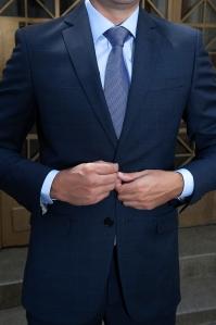 A gravata clássica é ótima para entrevistas de emprego e primeiro encontro, seja ele com quem for