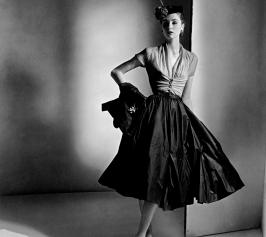 1952_Dior-dress-skirt-Suzy-Parker-vintage-50s-model-fashion