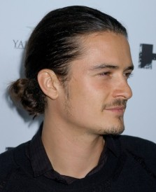 celebrity-men-with-man-buns-2-455x560