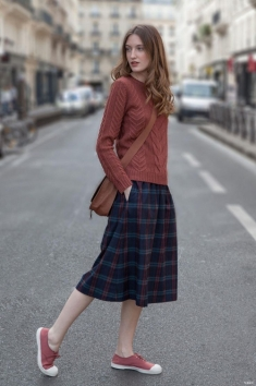 plaid-skirt-cable-knit-sweater-vogue-taiwan