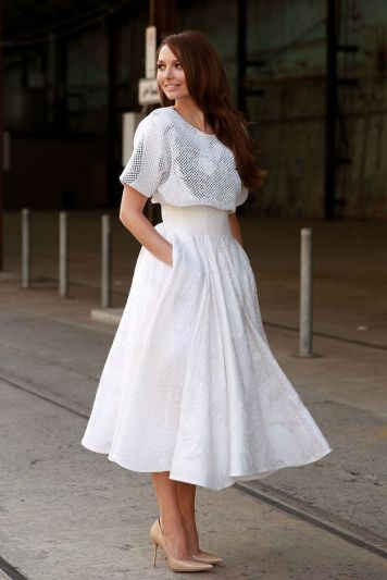 textured-white-midi-skirt
