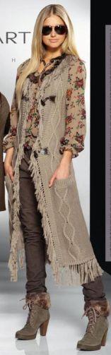 Maxi-colete de trico com franjas.