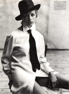 vestido chemise em 1997.
