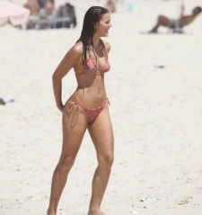 Bruna Marquezine - Pera