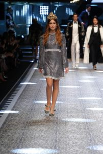 Marina Ruy Barbosa, linda para desfile Dolce&Gabbana em Milao
